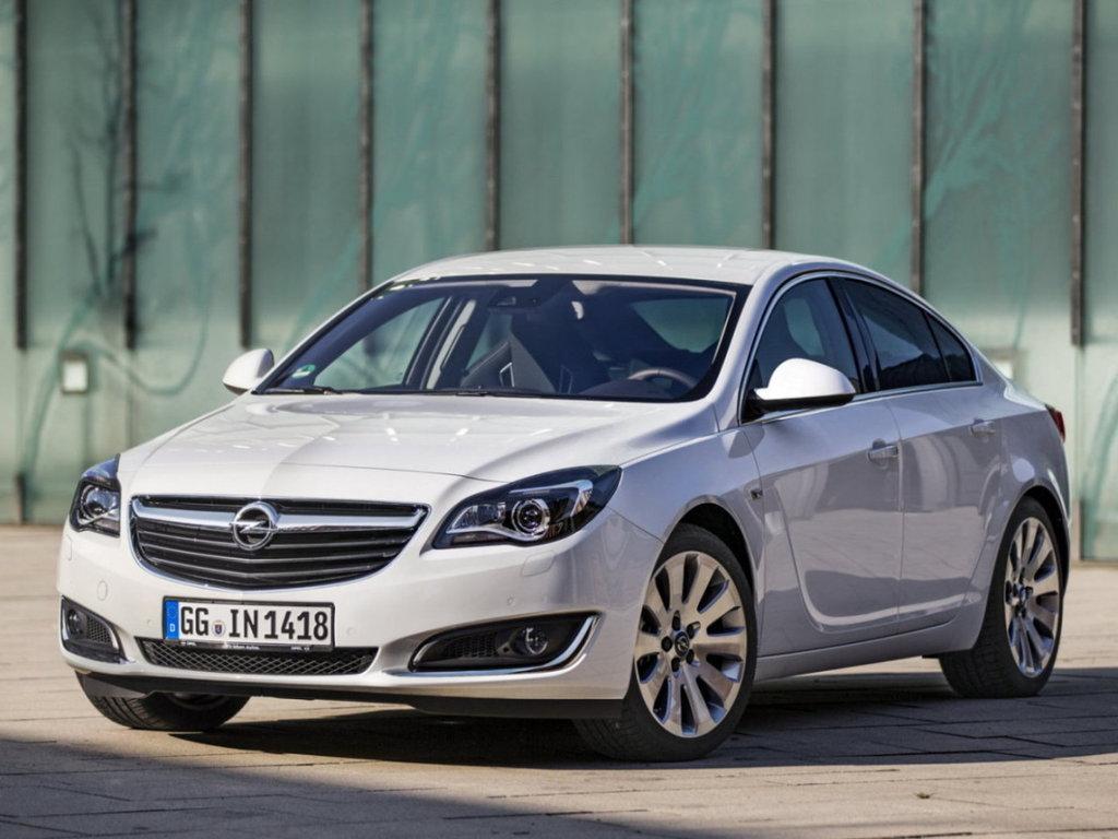 Opel Insignia рестайлинг 2013, седан, 1 поколение